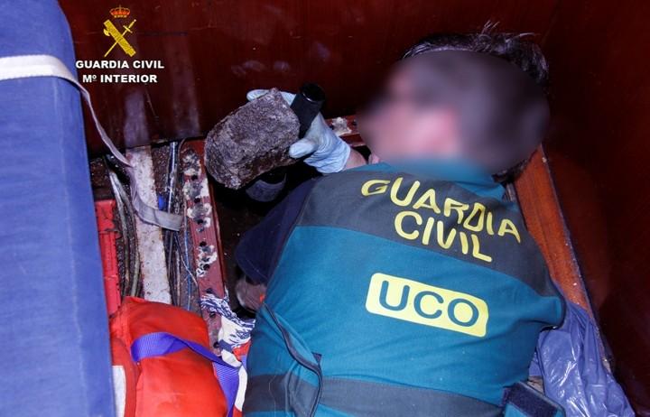 La Guàrdia Civil ha desmantellat a Torrelles de Foix un laboratori on s'adulterava droga