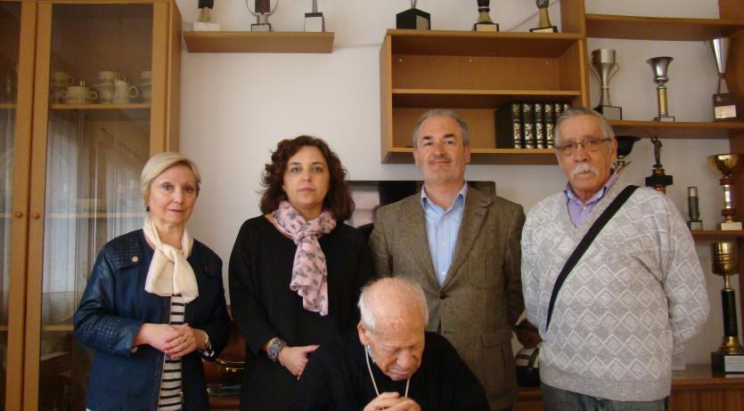 L'Ajuntament de Vilafranca ha felicitat Pascual Latorre Rocamora pel seu centenari