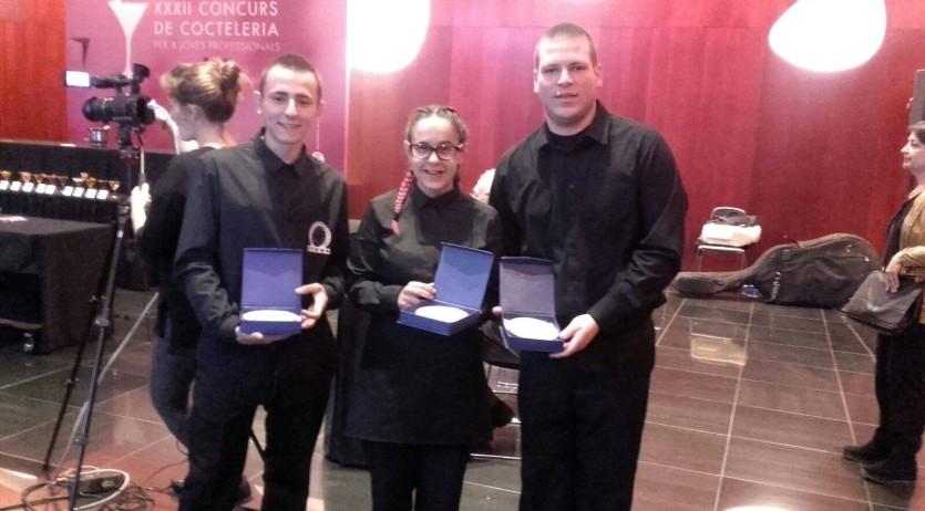 Tres alumnes de Joves per l'Ocupació participen al Concurs de cocteleria de l'Hospitalet
