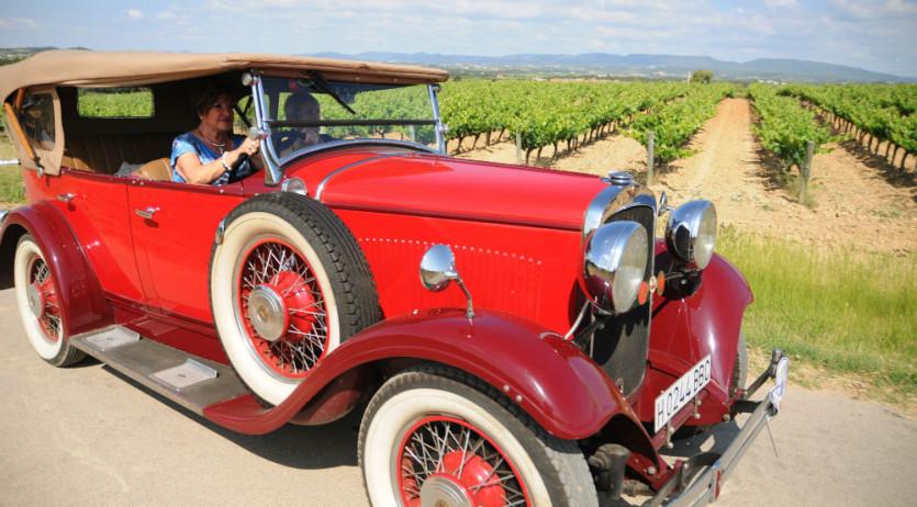 23 cotxes anteriors al 1940 participen a l'11è Ral·li de Cotxes d'Època País del Cava