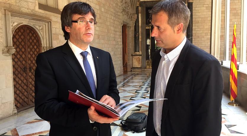 El president de la Generalitat, Carles Puigdemont, rep el president de la UEP a Palau