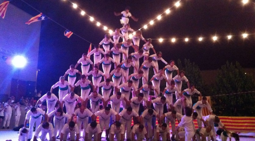 Els Falcons de Vilafranca han actuat a les Cabanyes i a la Festa Catalana de La Bolquère