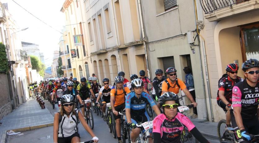 Més de 600 participants en l'Open Alpcross BTT que aquest diumenge s'ha celebrat a Sant Sadurní
