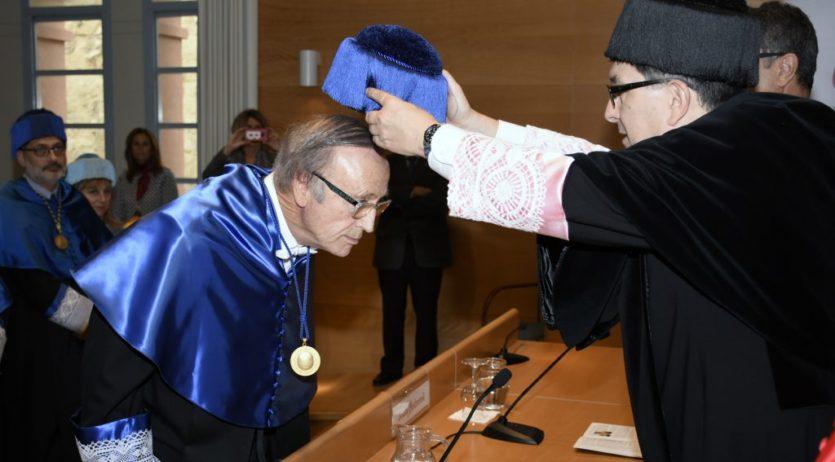 La Rovira i Virgili investeix doctor honoris causa l'enòleg i empresari Miguel A. Torres