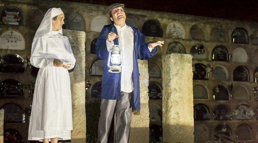 Tornen les visites teatralitzades al cementiri patrimonial de Vilafranca
