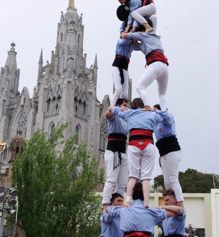 Diumenge la Colla Jove de va actuar a la festa castellera del Parc d'atraccions del Tibidabo