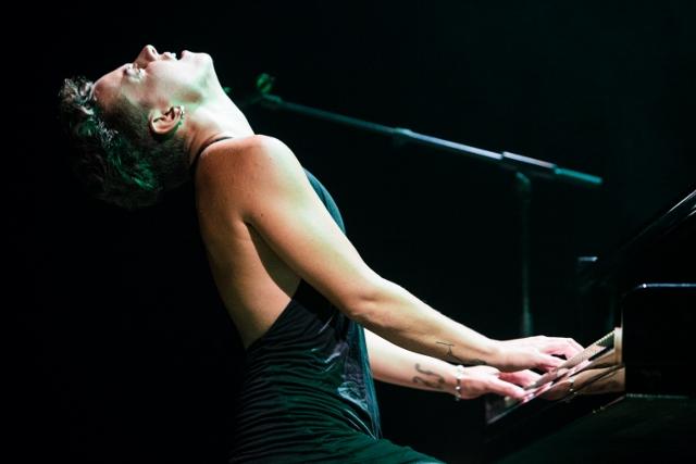 La pianista i compositora Clara Peya presenta Oceanes aquest divendres al Teatre Cal Bolet