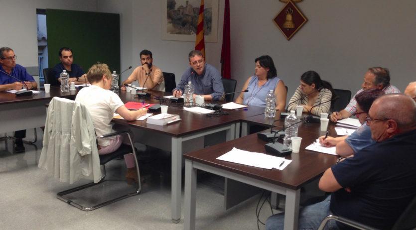 El ple de Sant Martí Sarroca demana estudiar la creació d'uns serveis funeraris comarcals