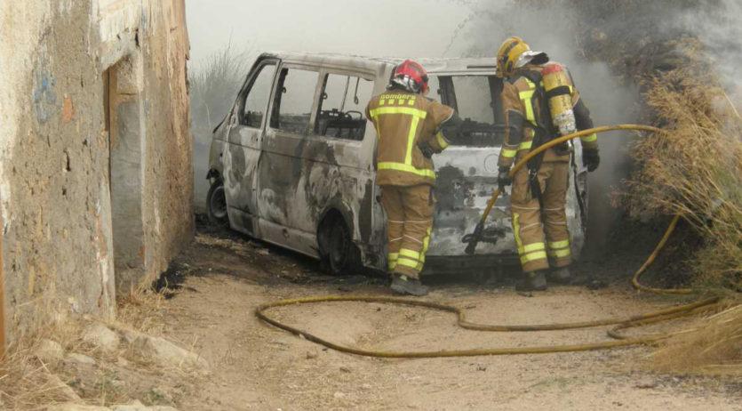 Presó pel jove de La Granada que va robar un vehicle i el va cremar