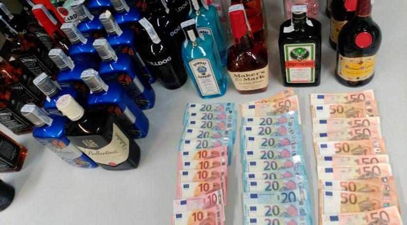 Detenen a Vilafranca dos homes per furt d'ampolles de begudes alcohòliques d'alta graduació