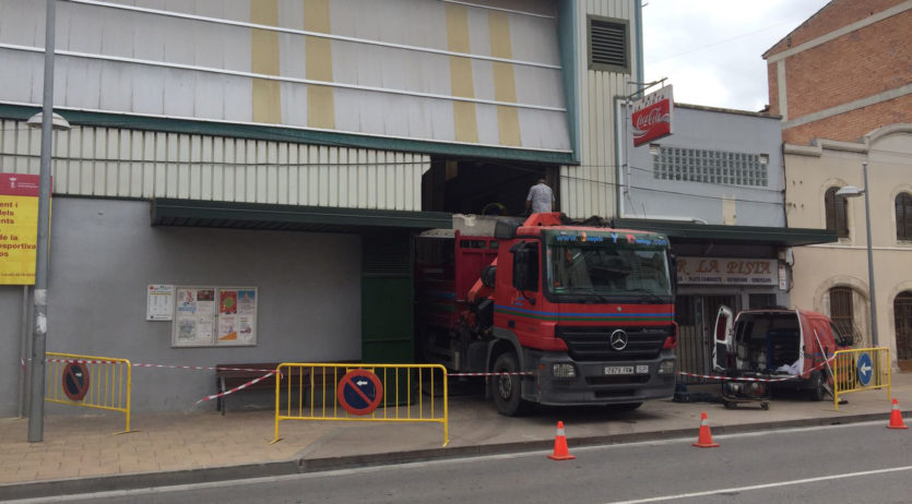 Comencen les obres de remodelació de la pista poliesportiva municipal dels Monjos