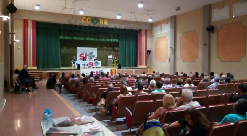 La CUP va reunir un centenar de persones a l'acte d'inici de la campanya pel Sí als Monjos
