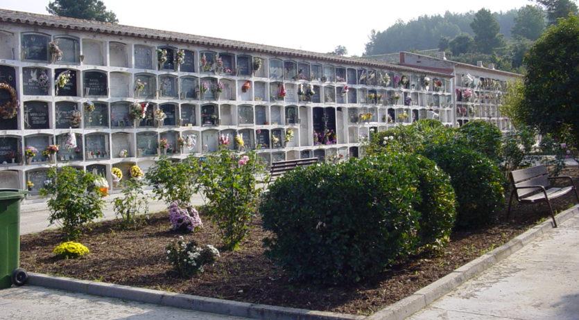 El cementiri de Santa Margarida i els Monjos oferirà horaris especial per Tots Sants