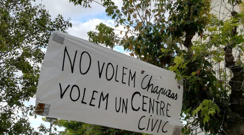 Els veïns que reclamen el Centre Cívic a l'Espirall s'han reunit amb Pere Regull