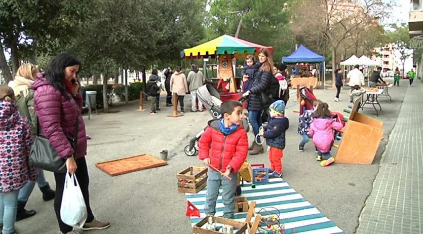 Comerç Espirall ha ofert un espai de jocs per infants a la plaça dels Segadors