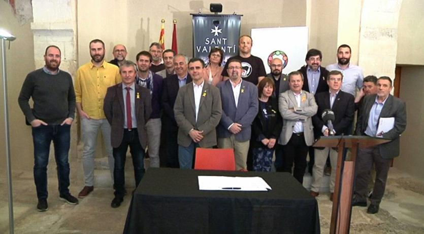 22 alcaldes de l'Alt Penedès signen una declaració defensant la democràcia i les institucions