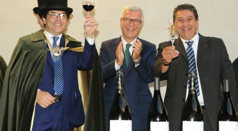 La Confraria del Cava homenatja Tarragona amb motiu dels Jocs Mediterranis