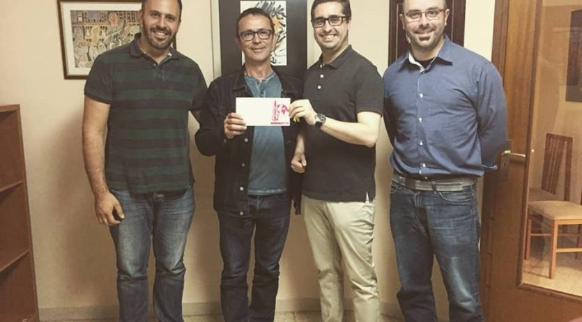 Joves Cristians lliura a Ampert prop de 5.000€ recollits a la campanya de l'ampolla