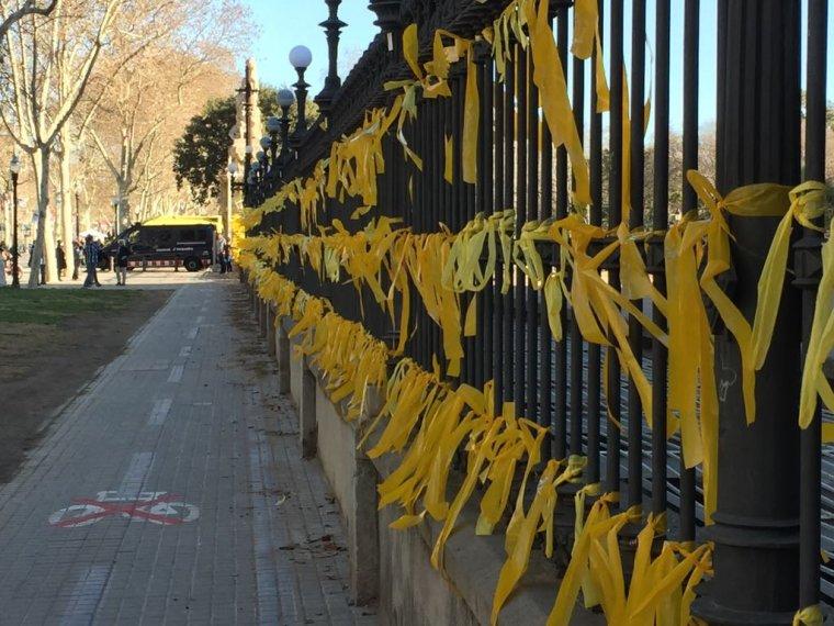 Penjar llaços grocs és demanar…
