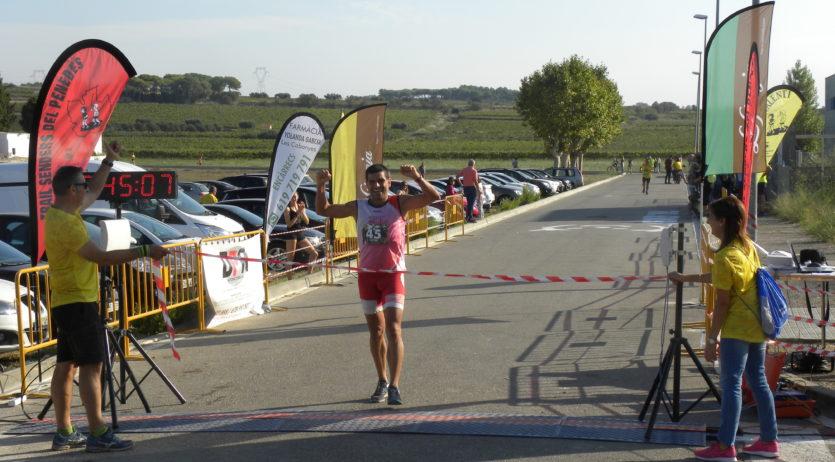 Jordi Garcia i Vinyet Noguero van guanyar la Trail Senders de les Cabanyes
