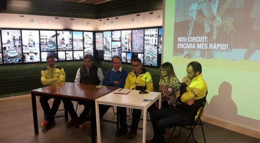 Cal Figarot vaser l'escenari de la presentació de la10KVilafranca