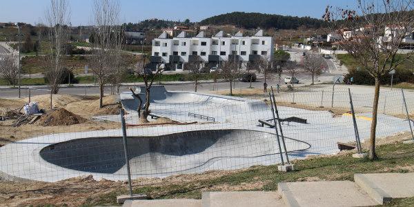 L'Ajuntament de Sant Sadurní alerta del risc d'accedir a la pista d'skate encara en obres