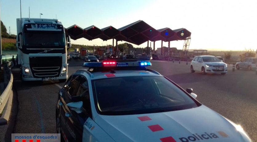 Detingut un camioner amb una taxa d'alcoholèmia que superava 16 vegades la permesa