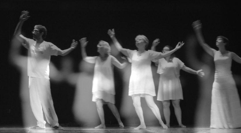 Es presenta a Cal Bolet 'Espurnes en dansa', un espectacle de Dansa Lliure