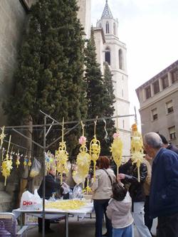 Un any més torna el mercat de palmes i palmons a Vilafranca