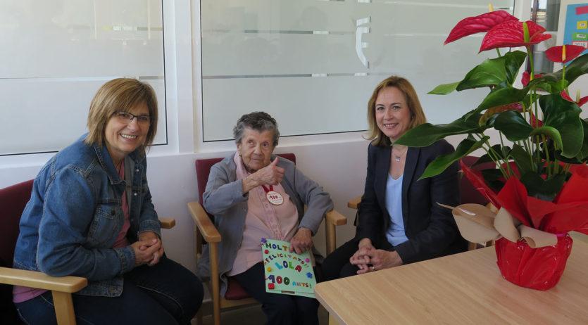 L'Ajuntament dels Monjos felicita una veïna del municipi que celebra el seu centenari