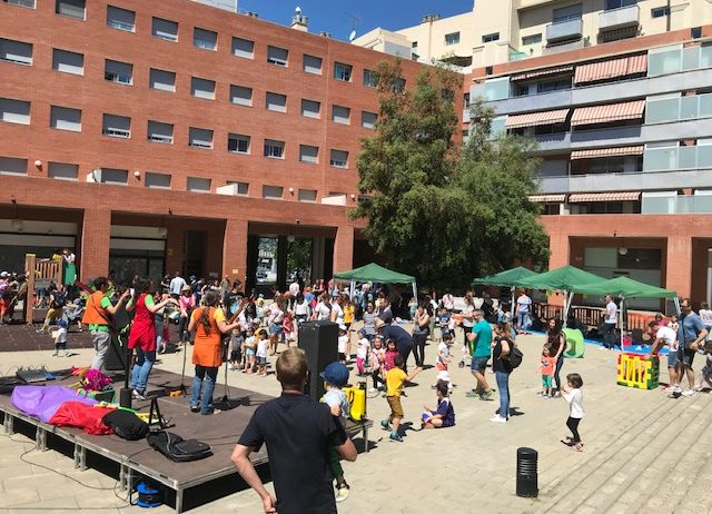 Un centenar de famílies a la Festa Familiar i Jornada de portes obertes de La Casa Petita