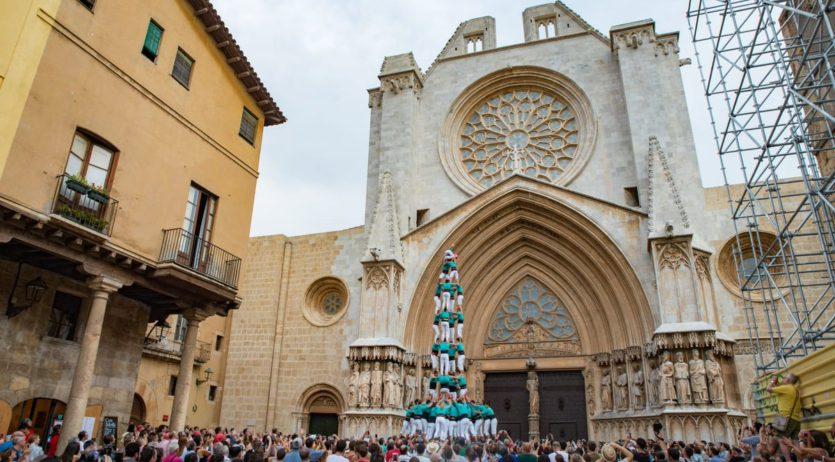 Els Castellers de Vilafranca estrenen el 4 de 9 amb folre a Tarragona