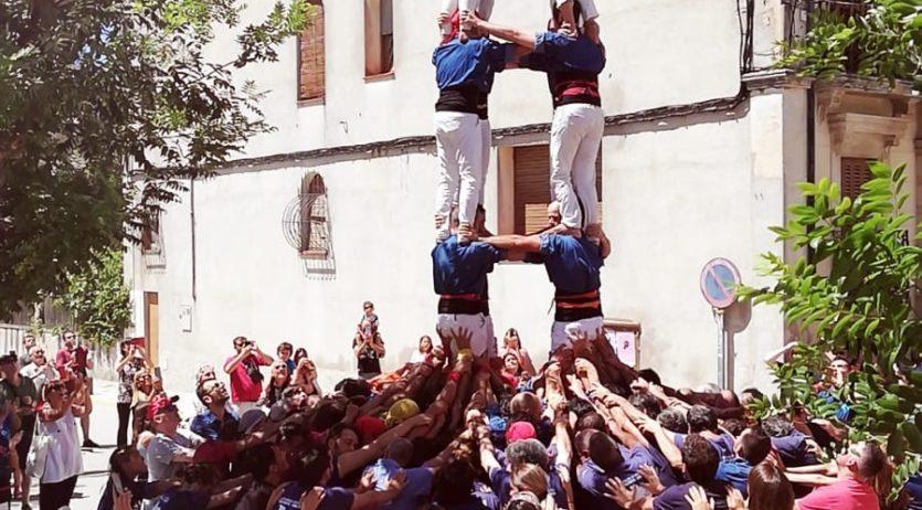 Els Castellers de Mediona completen per Festa Major el 4 de 7, el primer vist a la localitat