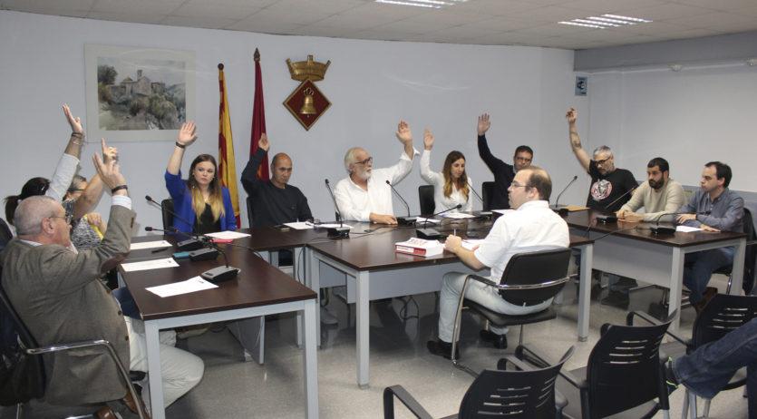 Sant Martí aprova la moció de rebuig a la sentència i en defensa del dret a l'autodeterminació