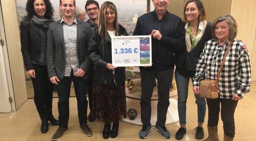 Es lliuren 1.300 euros a la Fundació Pasqual Maragall recaptats a la Mitja Petita de l'Espirall