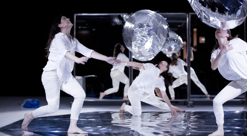 La dansa familiar de 'Silver drops' arriba aquest diumenge al Teatre Cal Bolet