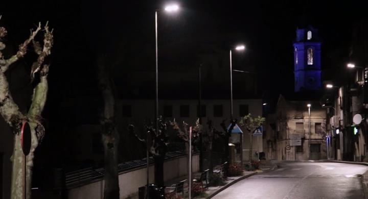 Gelida il·lumina cada nit el campanar en honor a la tasca dels sanitaris