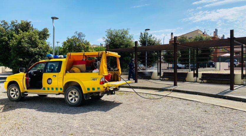 L'ADF d'Olèrdola desinfecta el mobiliari urbà i els parcs de jocs infantils de tot el municipi