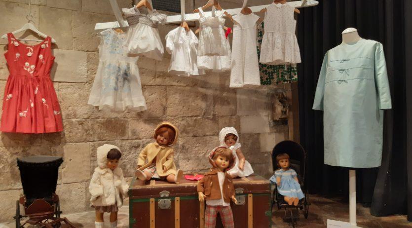 Reobre la capella de Sant Joan amb l'exposició de Lydia Espeleta