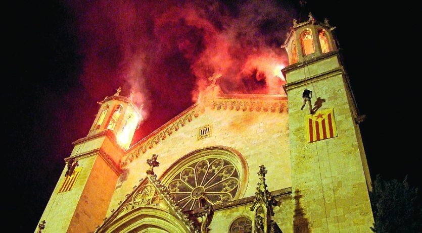 La Barraca veu perillar la penjada d'estelades i la festa major alternativa de Vilafranca