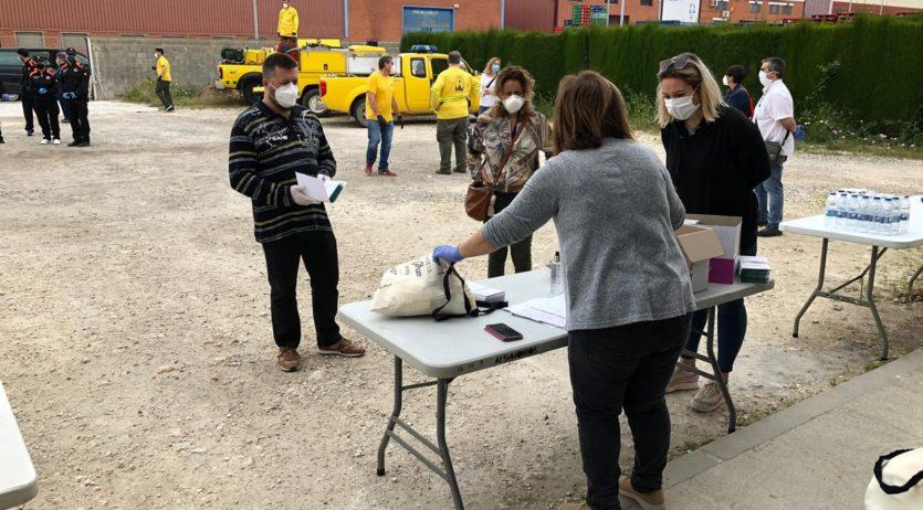 Avui, dissabte, ha començat el repartiment de mascaretes a Santa Margarida i els Monjos