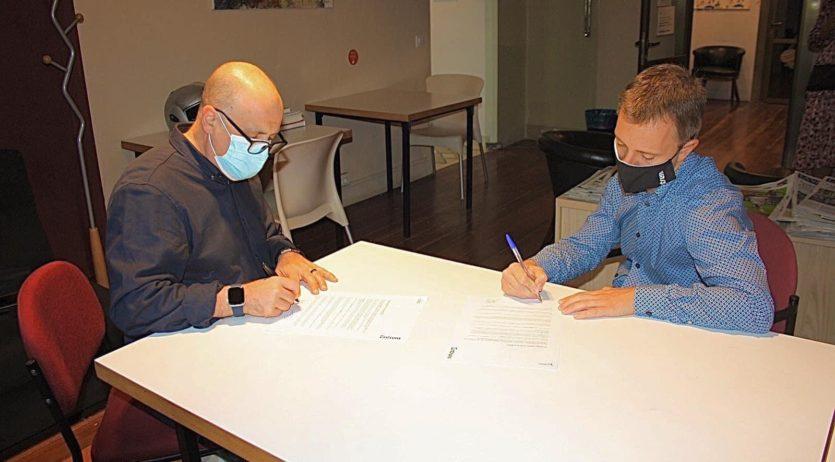 El Casal i Entrem signen un conveni per a la inclusió laboral