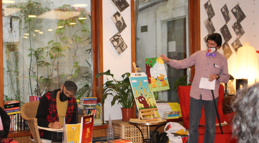 Ramon Grau presenta la 2a part de la novel·la infantil Vali la valenta a la llibreria Documenta
