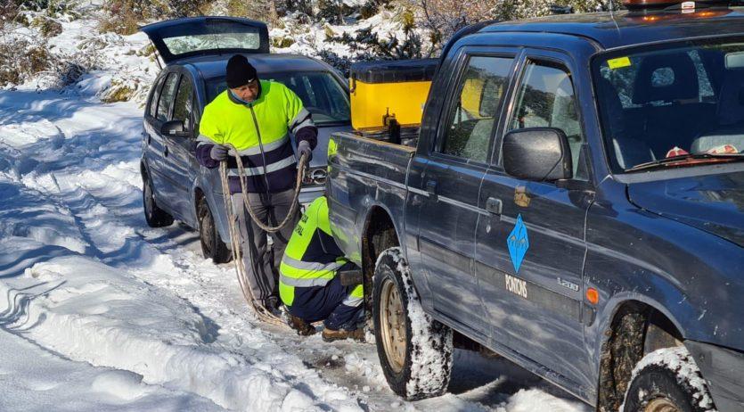Pontons intensifica la seva activitat a causa de la nevada per ajudar a tots els veïns