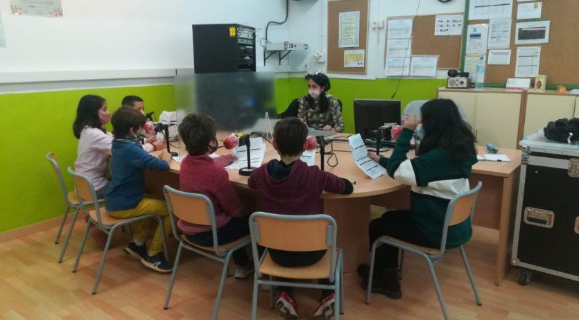 L'escola Estalella i Graells fa una crida a persones que hagin format part de Ràdio Estalella